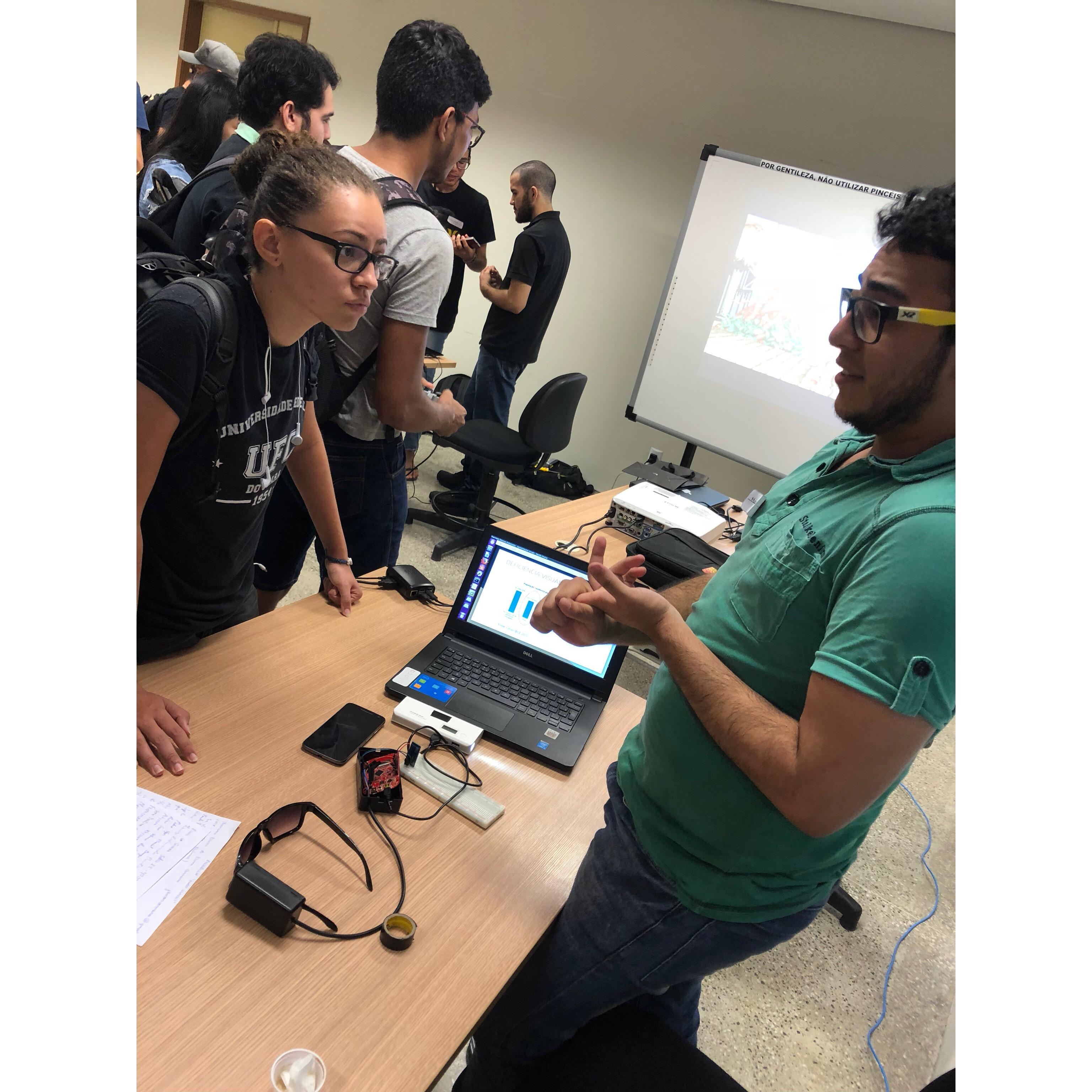 Exposição de Projetos de Sistemas Embarcados do curso de Engenharia de Software - Smart Glasses